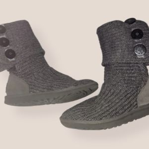 Women's Ugg Cardy knit Boots size 6